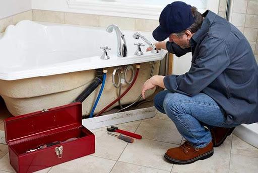 Comment réparer une baignoire qui fuit